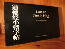 Lao-ce Tao te king in seven languages.